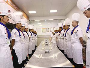 在陕西新纪元烹饪学校学餐饮管理怎么样?