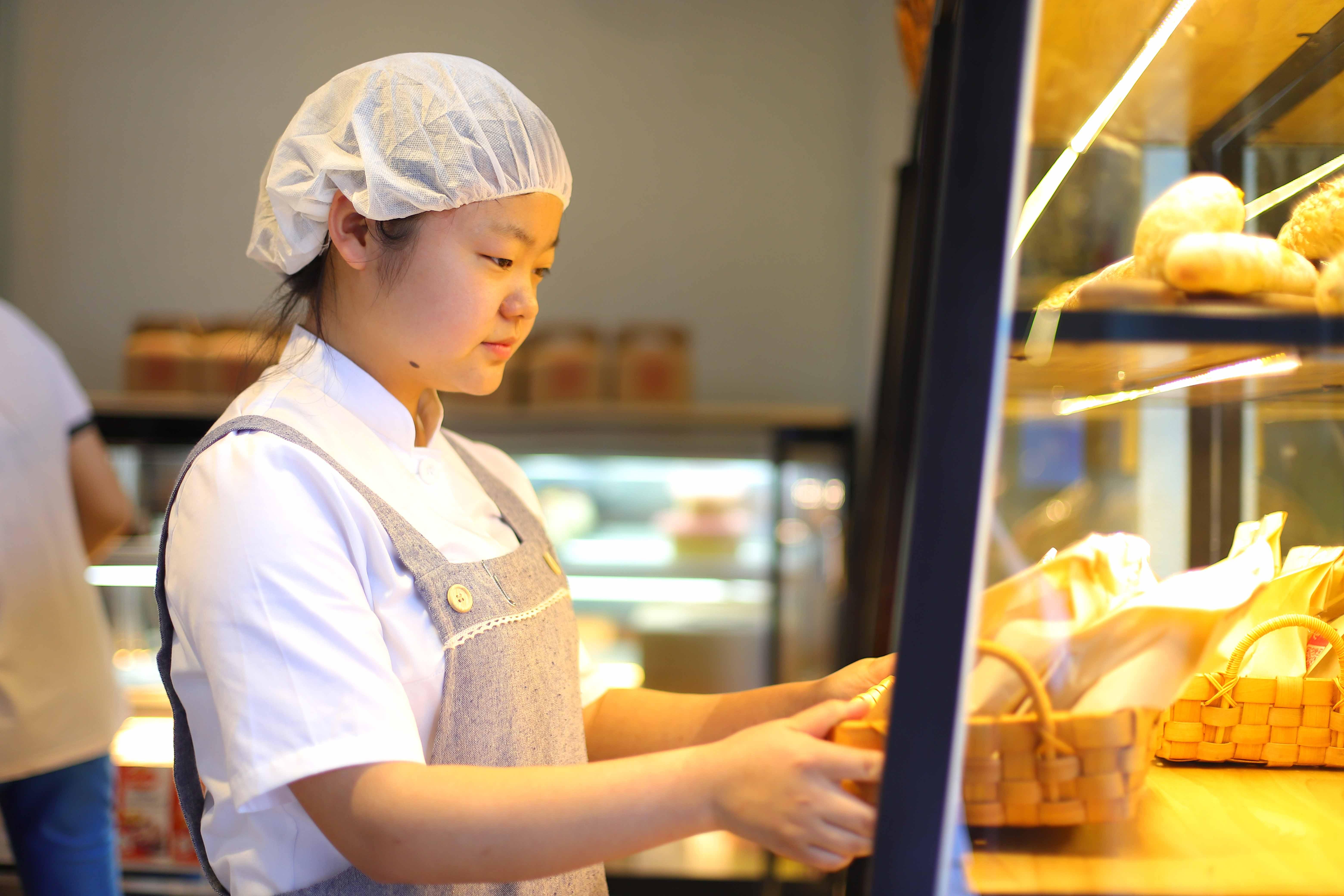 陕西新纪元烹饪学校毕业学子邹思蒙:永远相信美好的事情即将发生